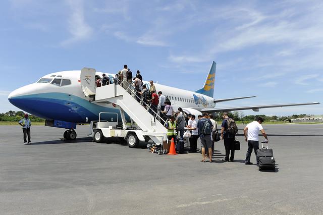 Resultado de imagen de En Dili funciona el único aeropuerto internacional,