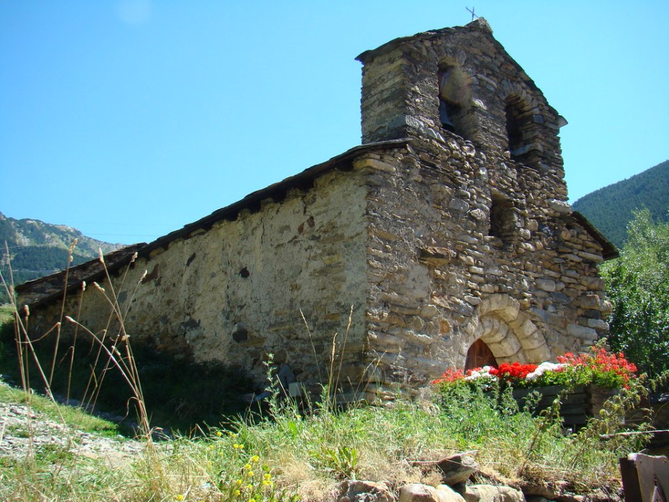 Iglesia San Miguel Prats Andorra 02