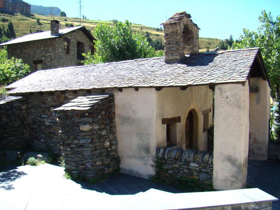 Iglesia Santa Creu Canillo Andorra 01