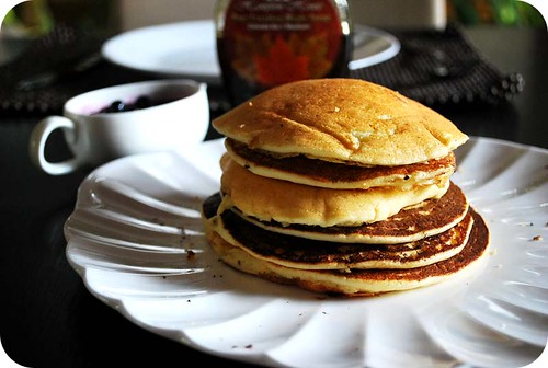 Hotcakes with Blueberry Compote