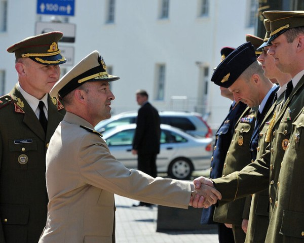 Supreme Allied Commander Europe greets Lithuanian military ...