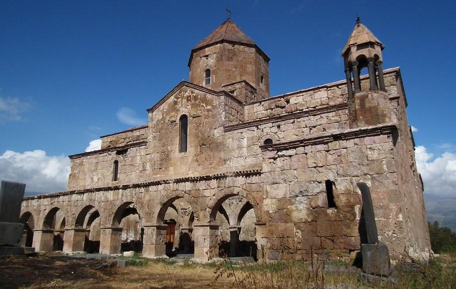 Monasterio Odzun Armenia Armenian monastery 03