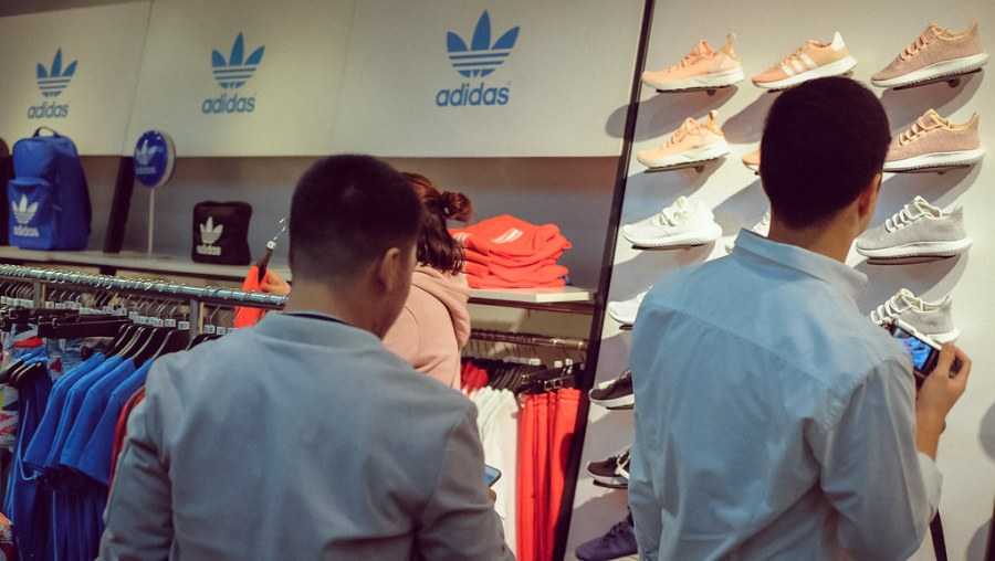 shopping at newport mall (8 of 45)