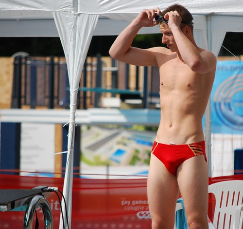 swimmer 09 by Xrispics