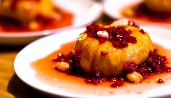 Geroosterde perzik met framboos en amandel