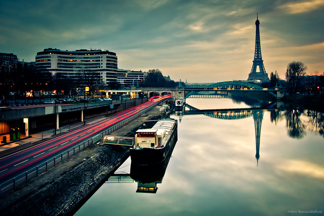 Morning reflections in Paris por Mark Benslahdine