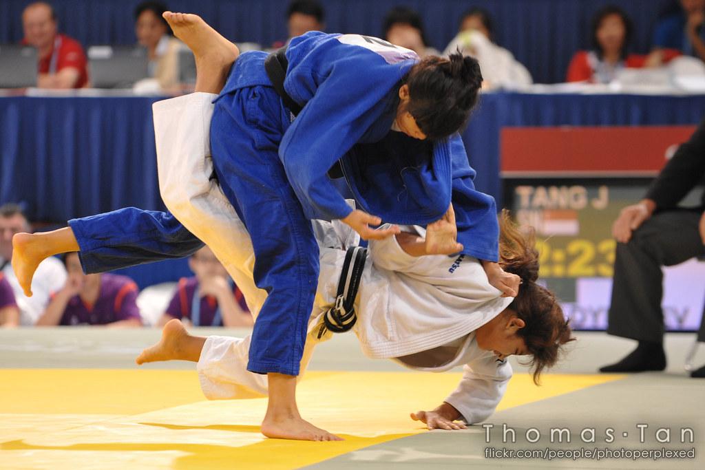 20100822_yog-judo_3162_tang-jing-fang-sin_geldbayeva-tkm_large