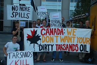 Chicago Chapter of RAN Sends Canadian Consulate A Clear Message About Tar Sands