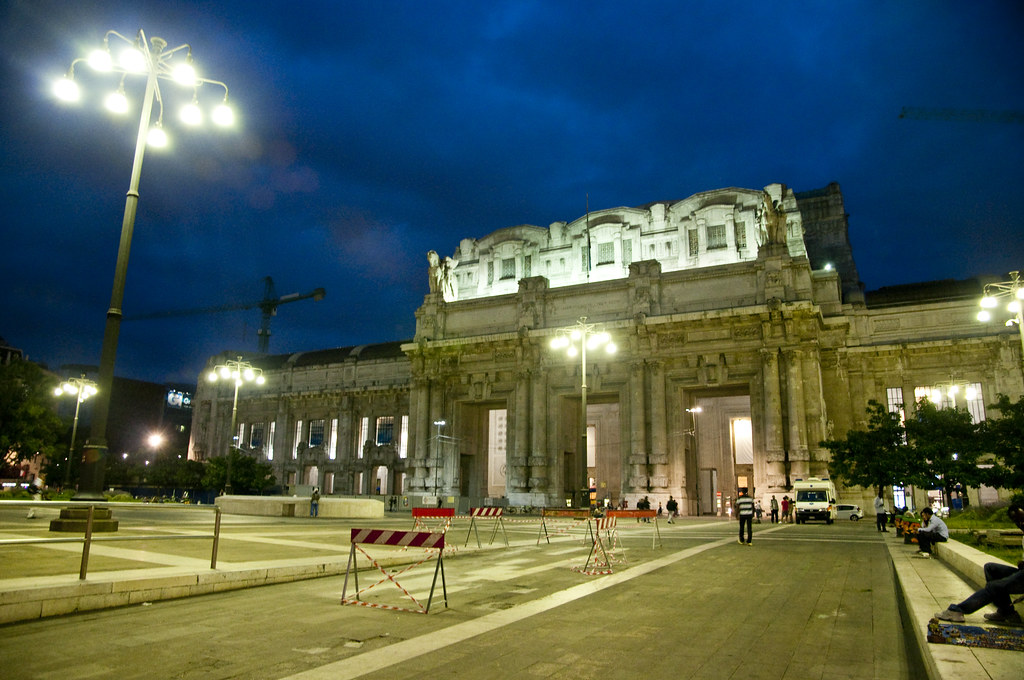 Milano Centrale Building at Night