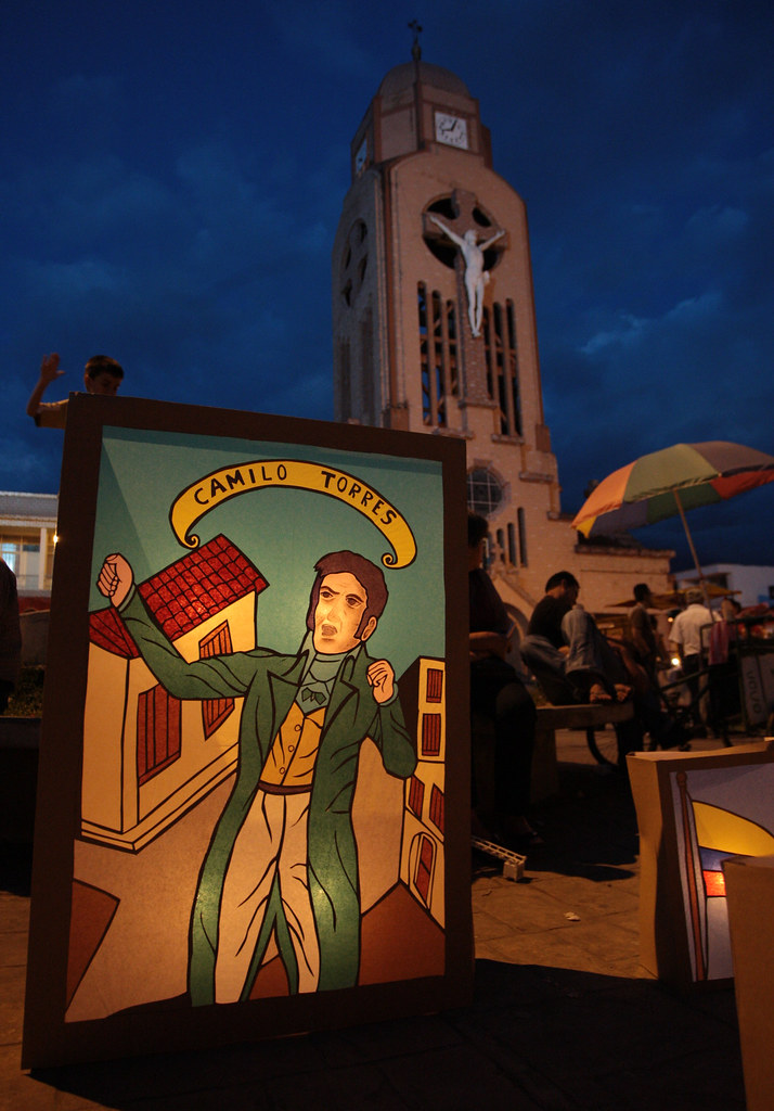 Imagen de Faroles en Quimbaya en conmemoración del bicentenario de la independencia de Colombia