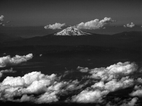 Shasta, from 20,000ft above Lassen by webmink