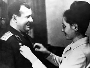 Yuri Gagarin his wife Goryacheva Valentina Ivanovna | Flickr