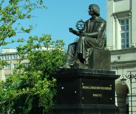 Varsovia-Monumento a Nicolás Copérnico-Polonia 04