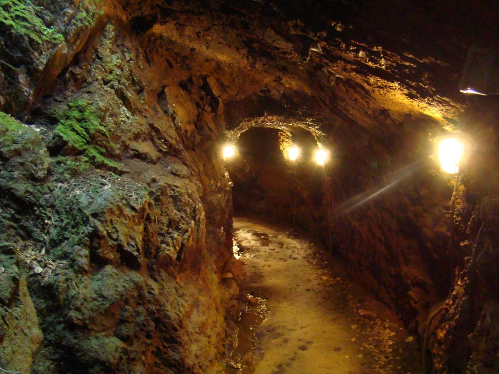 La Mina de hierro de Llorts Andorra 01