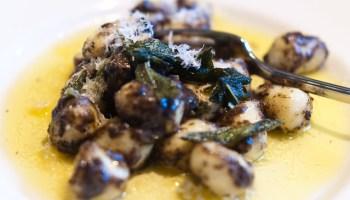 Gnocchi in salieboter met truffel en parmezaan @ Flickr
