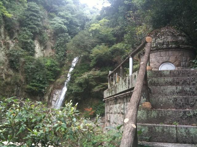 布引の滝。雌滝