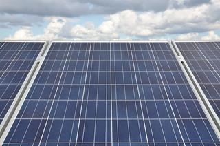 Aurinkopaneelit (CC-BY 4.0 Eksergia.fi)