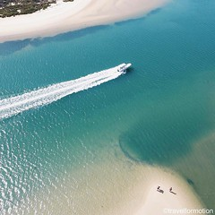 Get me the #boat #summertime #vsco #vscocam #colours #ocean #beach @algarvetourism #featuremealgarve #algarve #portugal #travel #travelgram #photooftheday #guardiantravelsnaps #igportugal #instatravel #visitportugal #traveling #travelphotography #guardian