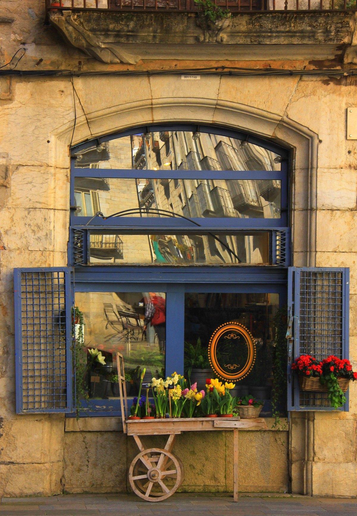 A shop window in Girona