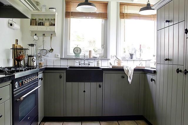 Grijze keuken landelijke stijl
