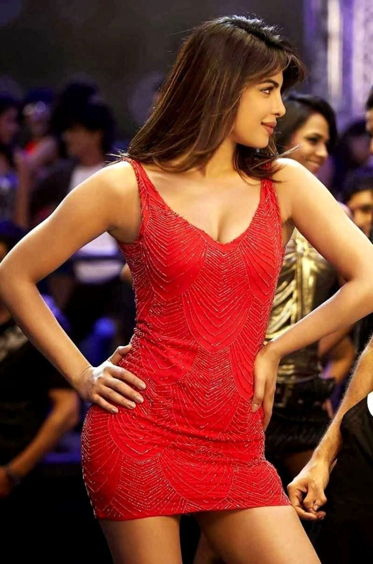 Hot and Sexy Priyanka Chopra