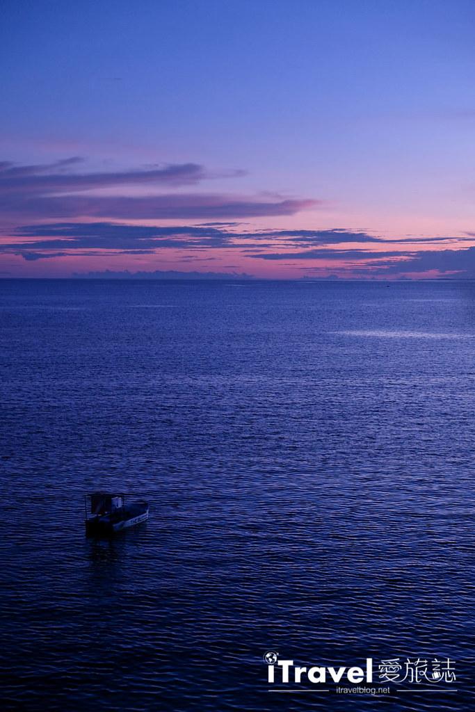 《菲律宾景观餐厅》薄荷岛蜜蜂农场:海岸餐厅与夕阳美景