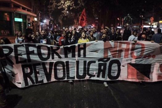 Estudantes protestam contra reforma do ensino médio em São Paulo. - Créditos: UBES
