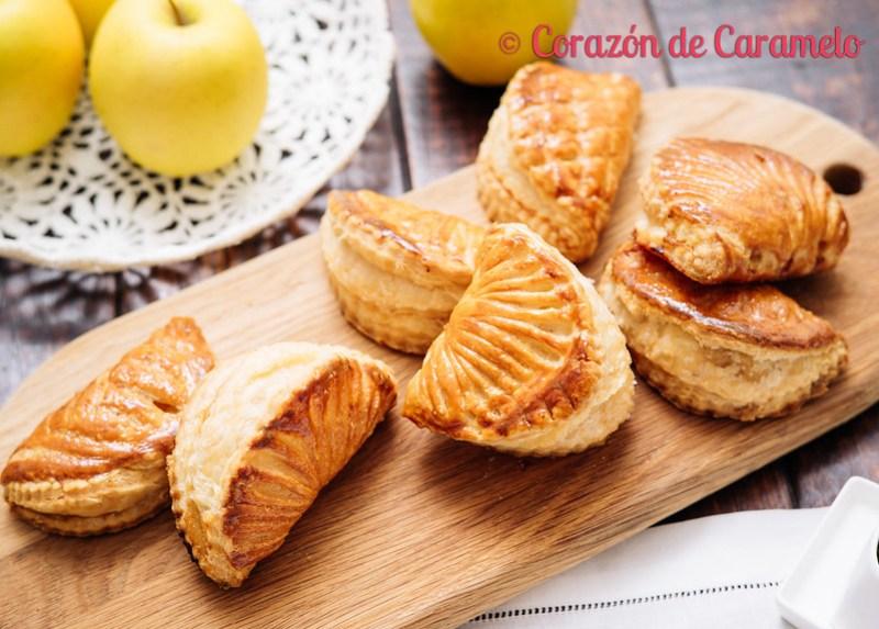 Empanadas de hojaldre rellenas de manzana