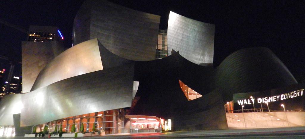 Walt Disney Concert Hall Los Angeles de Noche EE UU 02