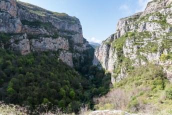 We begonnen vlakbij Shushi in de Hunot Canyon.