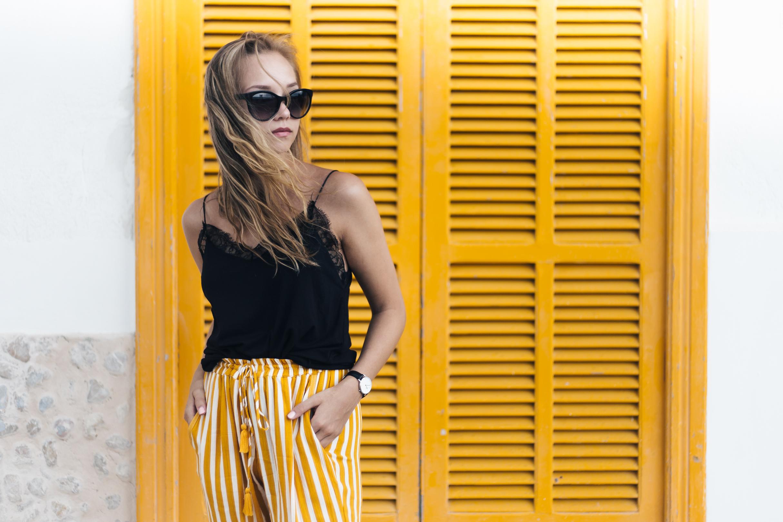 keltaiset housut1