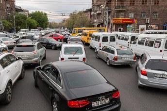 Indiase toestanden in Jerevan, klassiek gevalletje grid-lock.