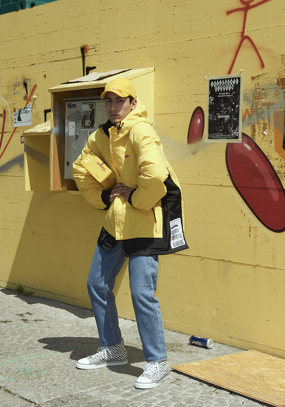vetements-dhl-collection