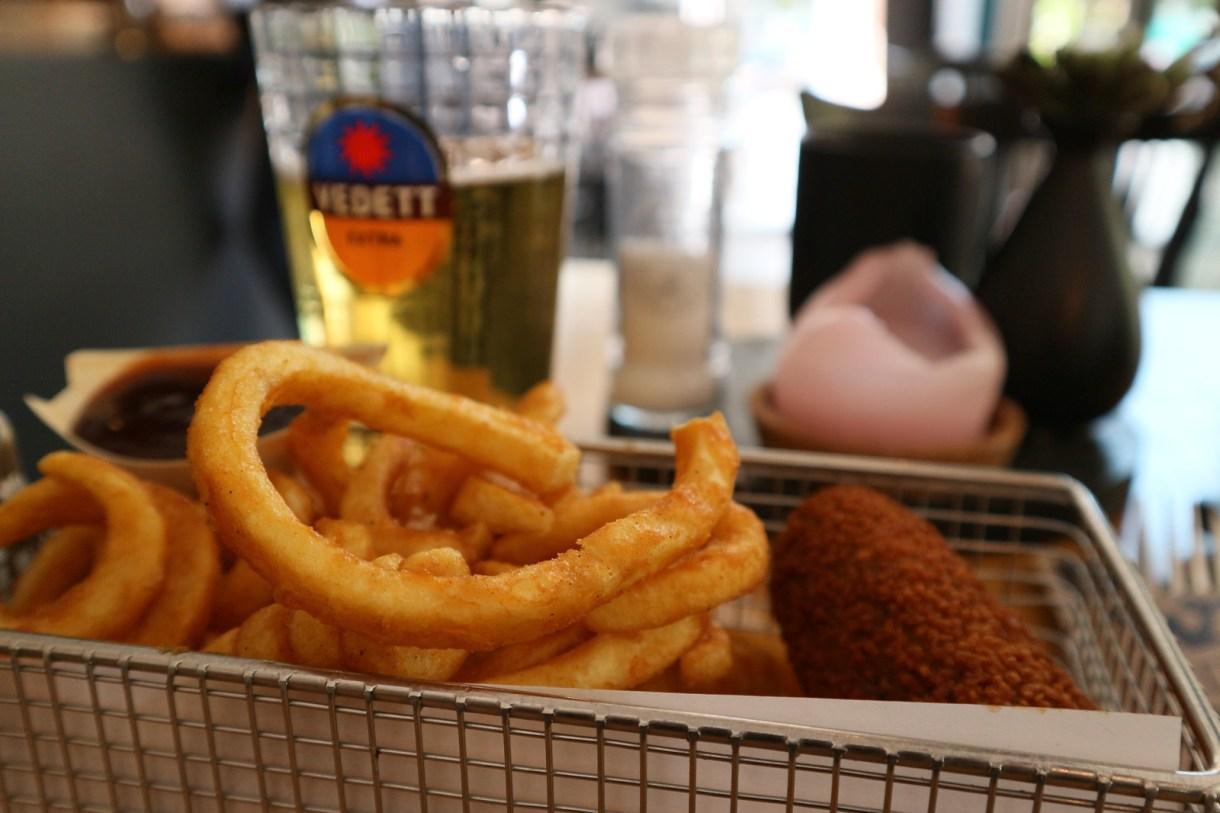 Dónde comer y gastronomía en Eindhoven (Holanda) - Restaurante holandés Street Food.