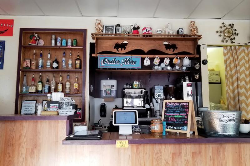 zekes-beans-bowls-coffee-shop-27