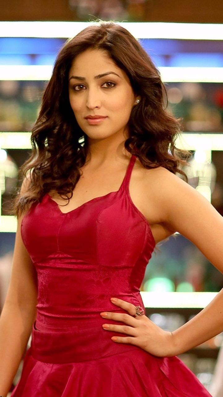 Hot and Sexy Yami Gautam