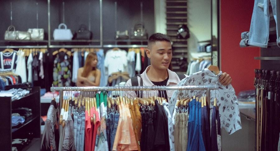 shopping at newport mall (16 of 45)