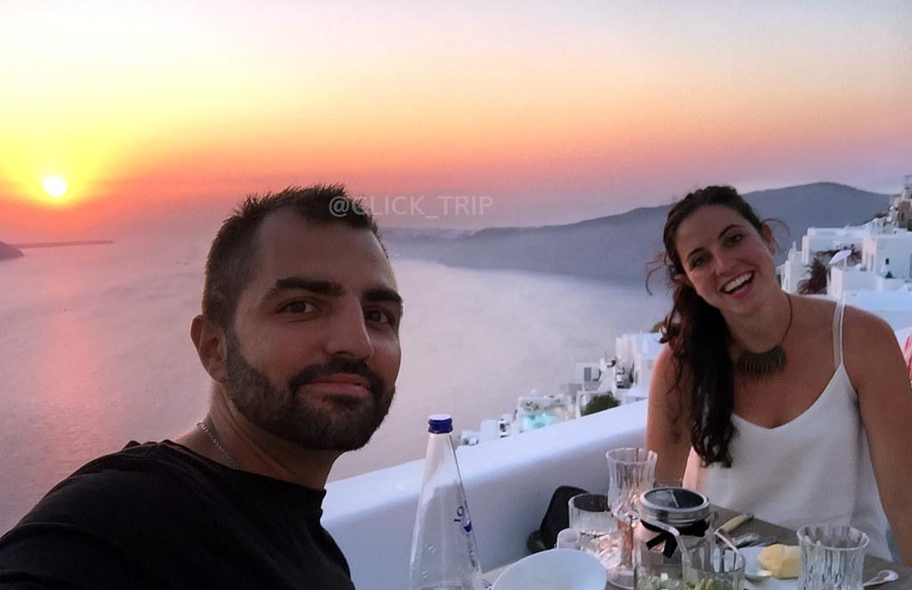Preparados para cenar en The Athenian House | Imerovigli | Santorini | ClickTrip.ES