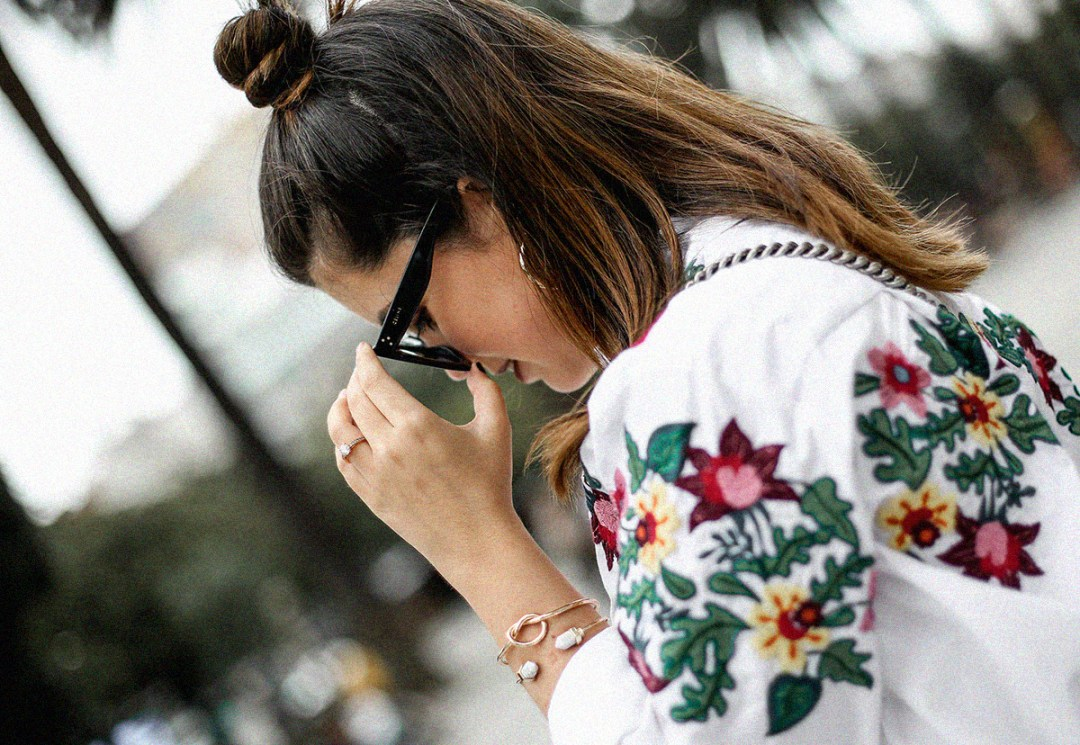 embroidered-white-blouse-bow-flats-hm-gucci-dionysus-streetstyle