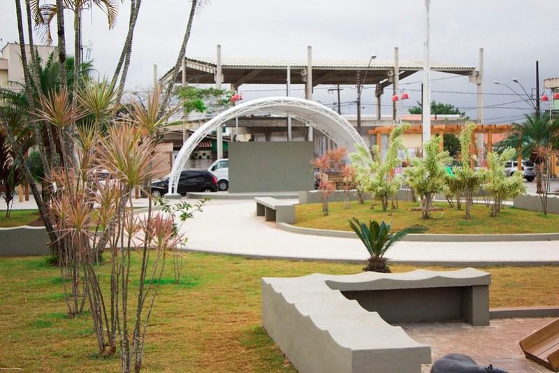 Praça Ângelo Guerra, no Belas Artes, já está sendo utilizada pela população