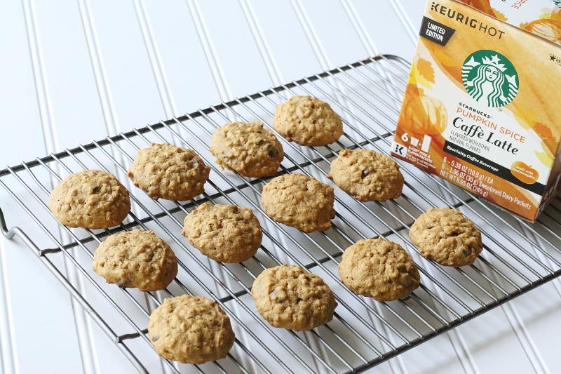 pumpkin-cookies-wire-rack-starbucks-psl-coffee-7