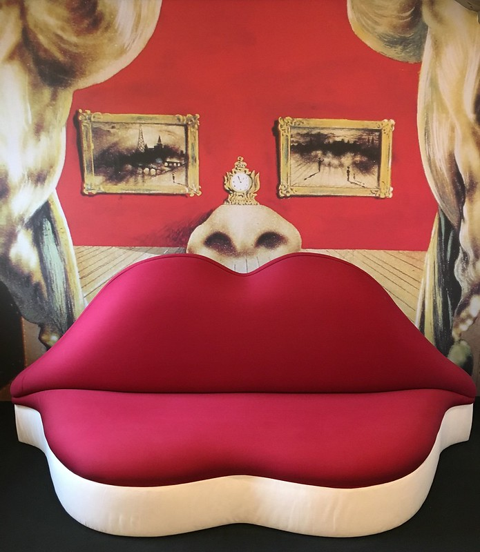 Mae West Lips / Dali