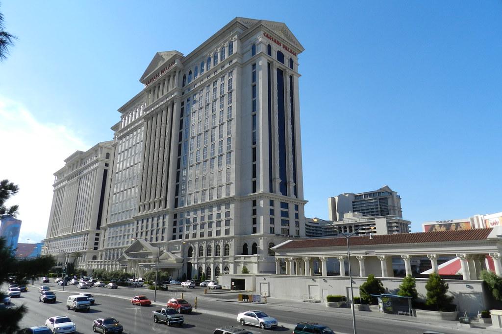 Hotel Caesars Palace exterior Las Vegas EEUU 07