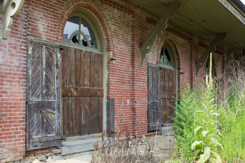 garrett snuff mill-old doors