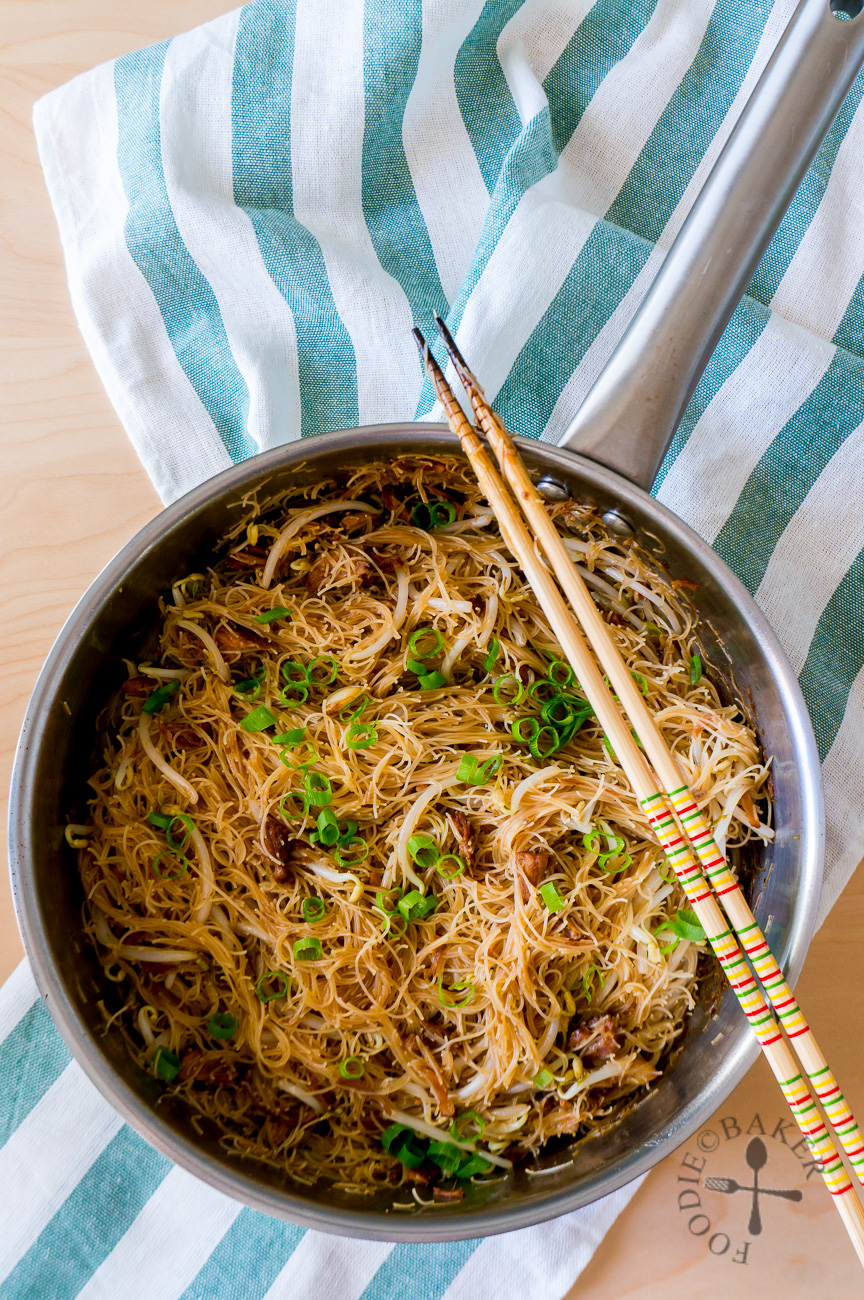 Mom's One-Pan Fried Bee Hoon