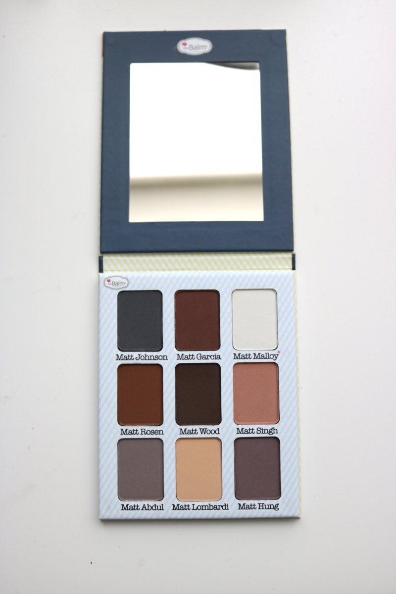 Palette with mirror