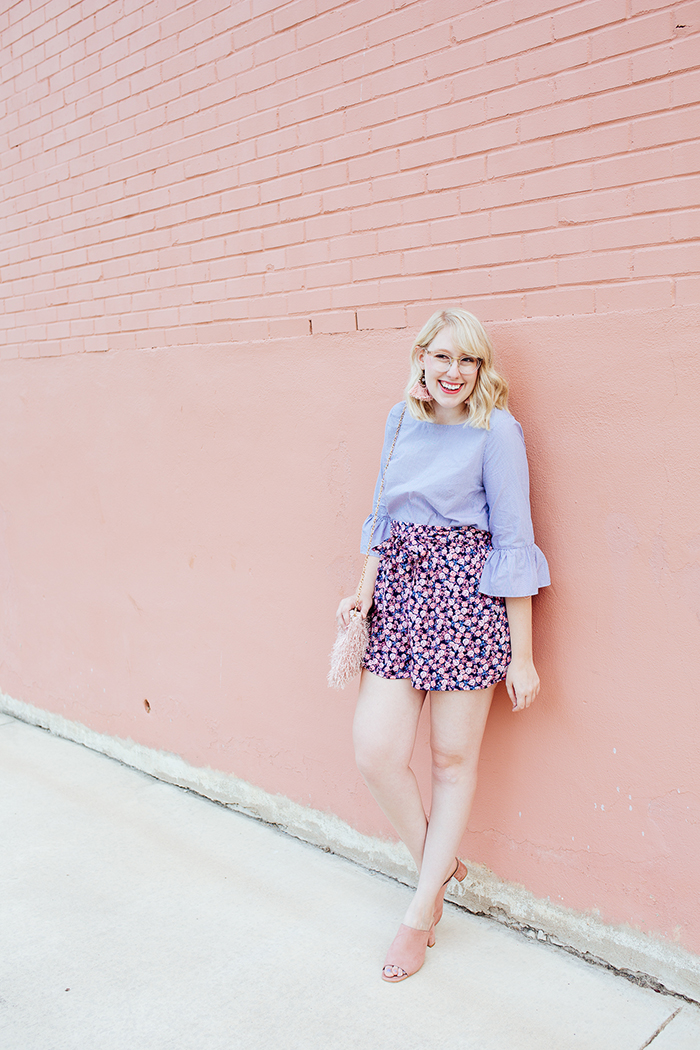 austin fashion blogger writes like a girl bell sleeves floral shorts10