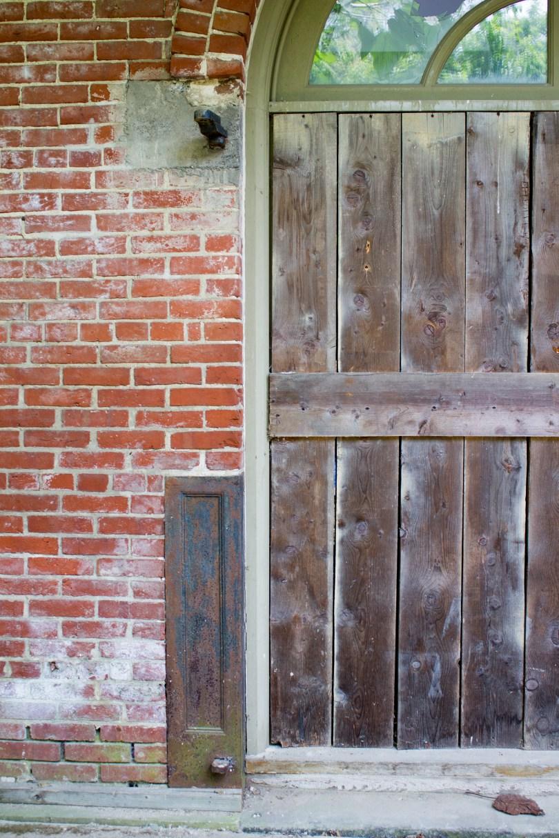 garrett snuff mill-metal door
