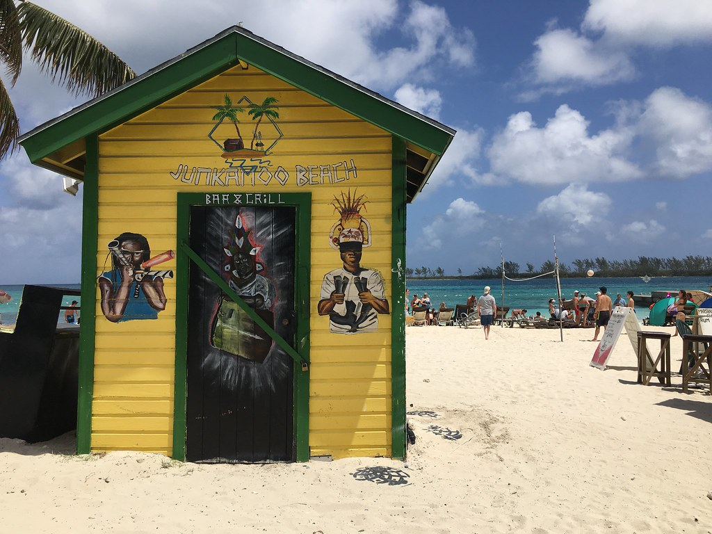 Bahamas | 10 Tropical Destinations for the Winter Holidays