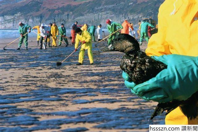 Oil-spill-58f0f7473df78cd3fc17bd42_768_512
